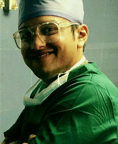 دکتر مانی آرش راد جراح فک و صورت